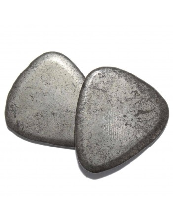 Pyrite plectrum