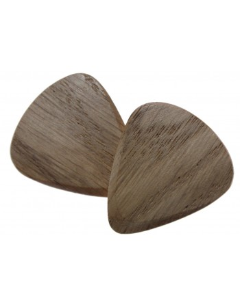 Oak plectrum